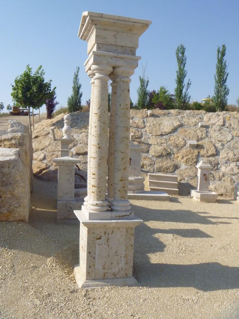 Conjunto de cuatro columnas